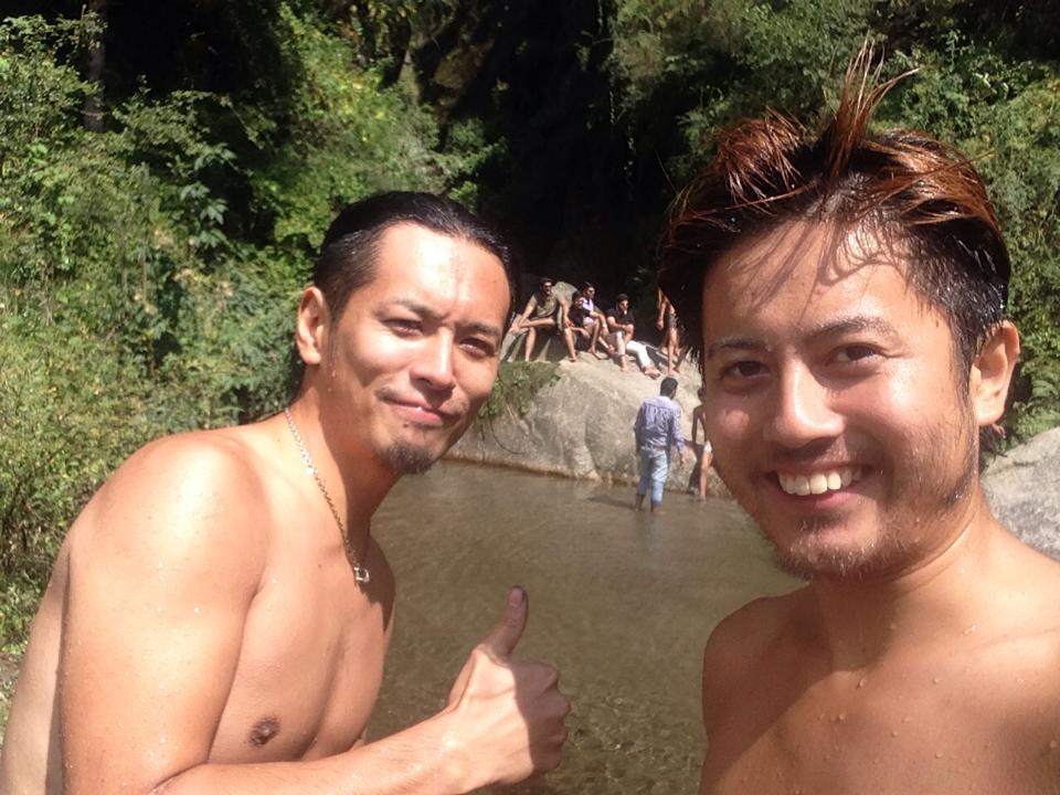 0928_滝で泳いできた2